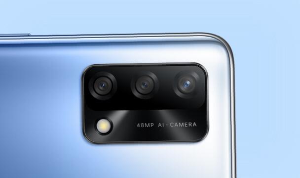 كاميرا ثلاثية بالذكاء الاصطناعي ٤٨ ميجابيكسل